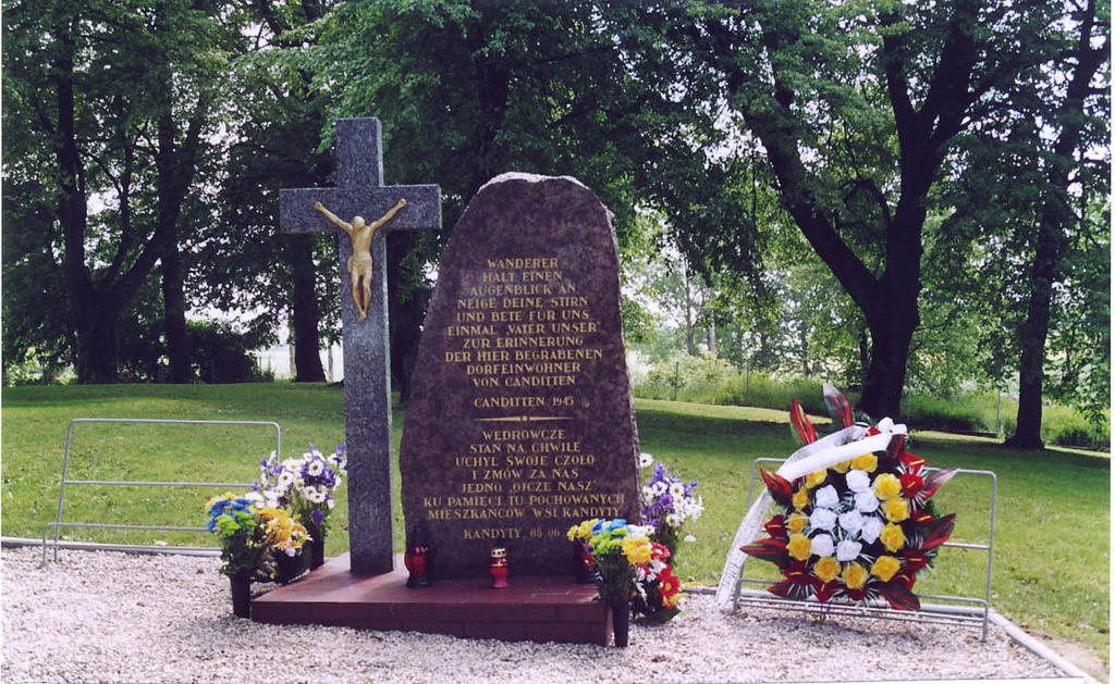 Gedenkstein auf dem Ehrenfriedhof in Canditten